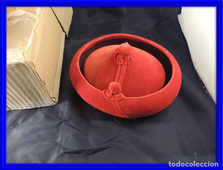 c2d4d35c0ff62 sombrero calañes bandolero de terciopelo rojo - Comprar Complementos ...