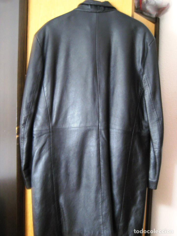 Vintage: Abrigo tres cuartos de caballero en piel marrón.- T: 52- buen estado- - Foto 2 - 64858339