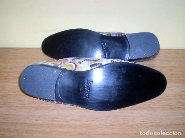 Vintage: Zapatos de diseño grafiteados en piel de la casa rovers.Numero 44. - Foto 6 - 72429211