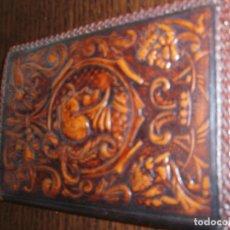 Vintage: 9054- BILLETERA DE PIEL REPUJADA- FORMATO VERTICAL. Lote 73585679
