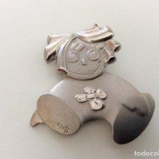 Vintage: ENVÍO 6€. AGUJA/BROCHE BEBE/BEBES EN PLATA DE LA MARCA CADO. MIDE 5X5CM. Lote 74227719