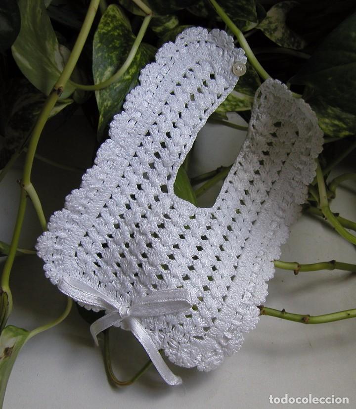 Precioso Babero Tejido A Mano En Crochet O Ganc Comprar