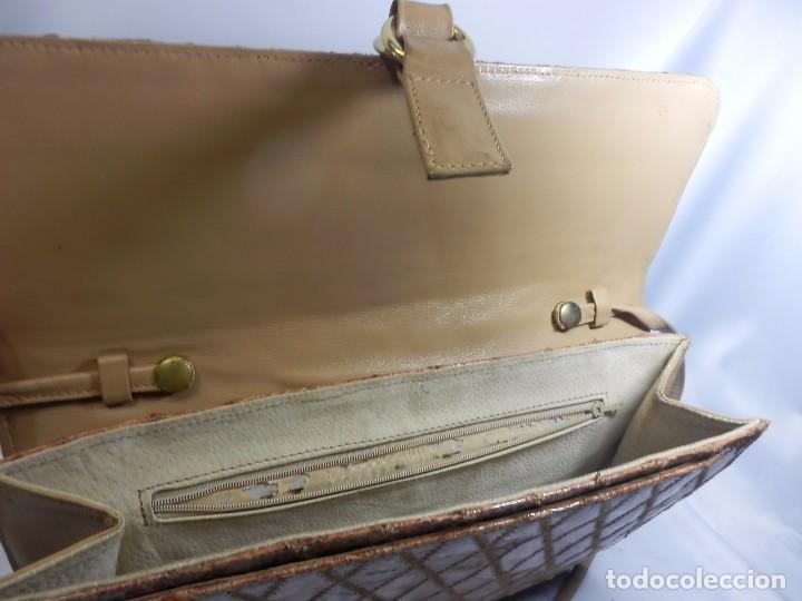 Vintage: Bolso Vintage de piel o similar. 33x29 cm - Foto 4 - 82457288