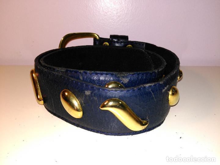Vintage: Cinturon vintage. años 80. AZUL CON ADORNOS EN DORADO. 90 CM. - Foto 3 - 85137904