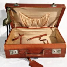 Vintage: ANTIGUA MALETA DE PIEL . Lote 85265744