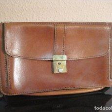 Vintage: BOLSO DE MANO EN PIEL LEGITIMA AÑOS 70. Lote 85955788