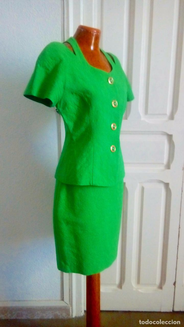 Vestidos verdes fluorescentes