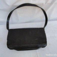 Vintage: BONITO BOLSO VINTAGE COLOR NEGRO. AÑOS 70.. Lote 94148940