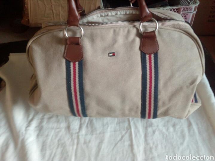 d529d12d5d5 Bolso de viaje tommy hilfiger - Sold at Auction - 105569875