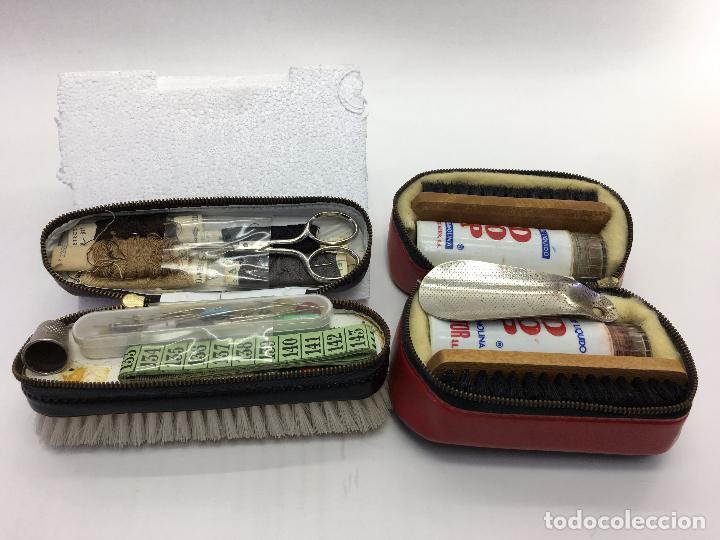 Vintage: KIT DE VIAJE - CEPILLO DE ROPA + COSTURERO Y NECESER DE CALZADO - AÑOS 60-70 - Foto 2 - 106093239