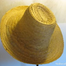 Vintage: SOMBRERO DE HOJAS DE PALMA. Lote 110507579