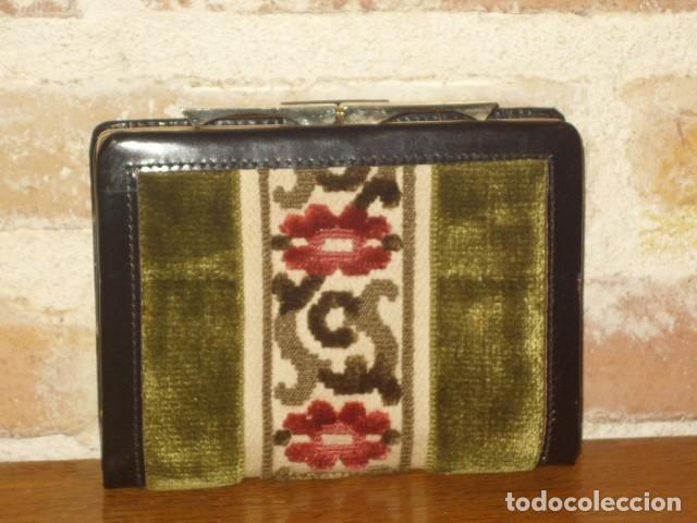 ANTIGUO MONEDERO,CARTERA DE PIEL Y TELA TAPICERIA.SIN USO. (Vintage - Moda - Complementos)