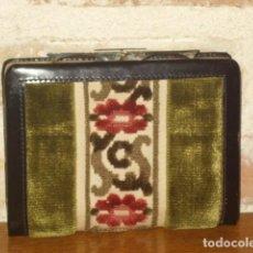 Vintage: ANTIGUO MONEDERO,CARTERA DE PIEL Y TELA TAPICERIA.SIN USO.. Lote 111499435