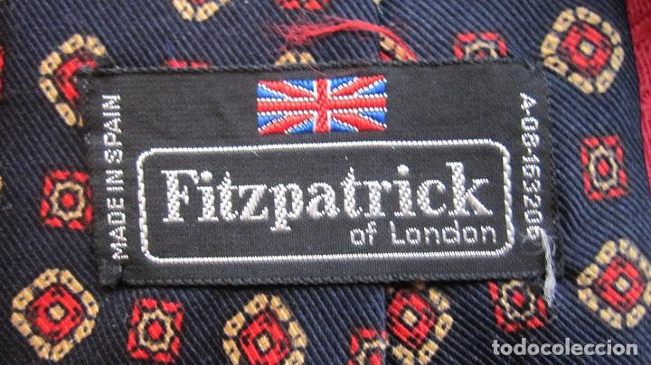 Vintage: ANTIGUA CORBATA FITZPATRICK . DISEÑO INGLES. FONDO AZUL. POLIESTER - Foto 3 - 113755983