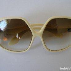 Vintage: GAFAS DE SOL MONTURA PASTA MUJER AÑOS 60. Lote 172260998