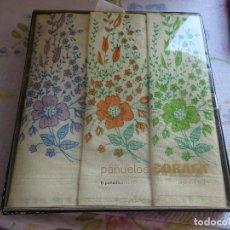 Vintage: CAJA ORIGINAL DE 6 PAÑUELOS CORAFA - ALGODON 100% - AÑOS 60 - DISEÑO FLORES. Lote 117630343