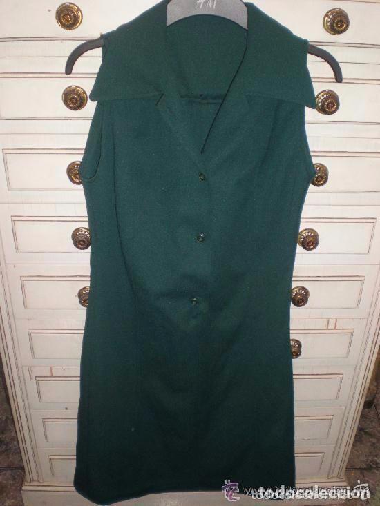 Vestidos de color verde botella