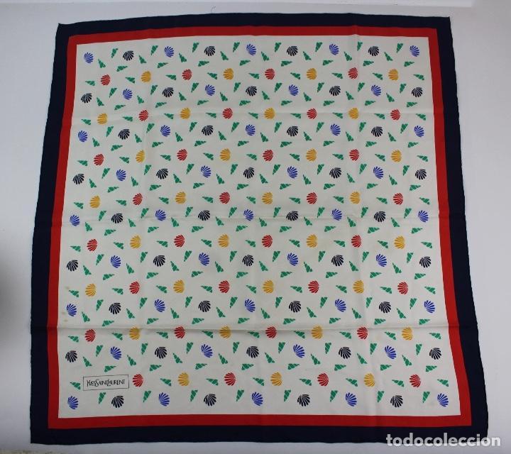 550fb639874b9 ve-256 pañuelo . marca yves saint laurent . año - Buy Vintage ...