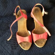 Vintage: SANDALIAS DE PIEL ROJAS. Lote 129318115