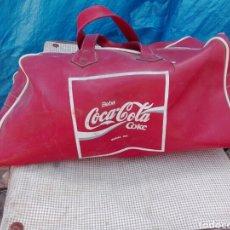 Vintage: BOLSA DE COCA COLA DE DEPORTE AÑOS 60 ..TIENE UNA FISURITA SE VE EN FOTO CREMALLERA ORIGINAL.SALIO G. Lote 131164633