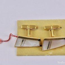Vintage: GEMELOS EN METAL DORADO Y NACAR. AÑOS 50.. Lote 131170256
