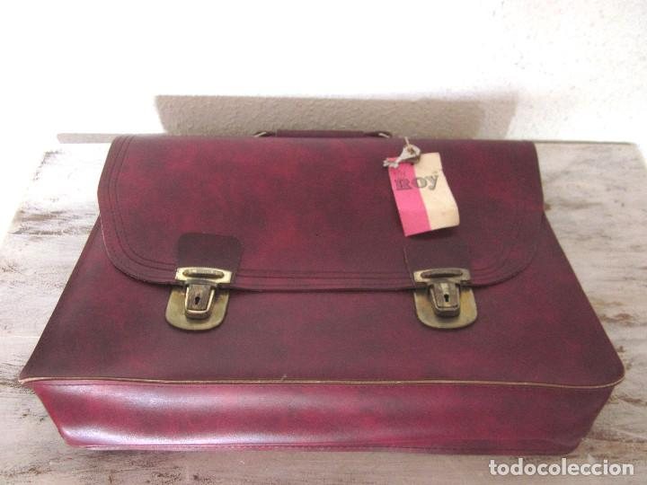 Vintage: Cartera maleta escuela maletín escolar marca Roy nueva sin estrenar con llaves color burdeos - Foto 2 - 132980926