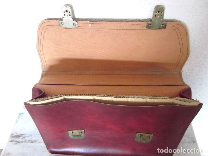 Vintage: Cartera maleta escuela maletín escolar marca Roy nueva sin estrenar con llaves color burdeos - Foto 8 - 132980926