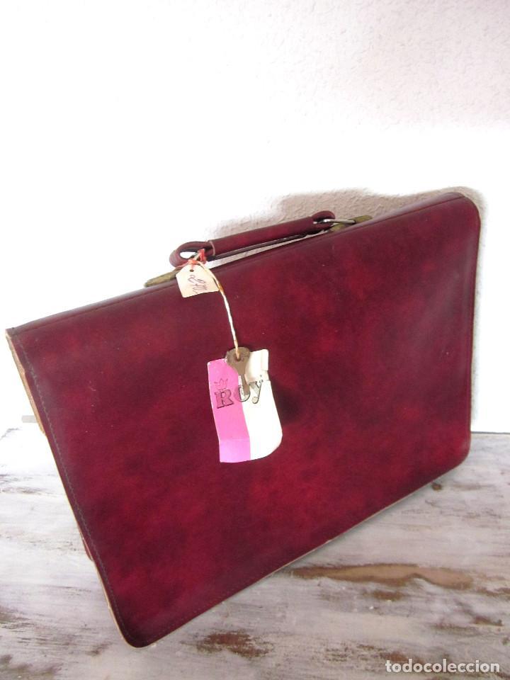 Vintage: Cartera maleta escuela maletín escolar marca Roy nueva sin estrenar con llaves color burdeos - Foto 9 - 132980926