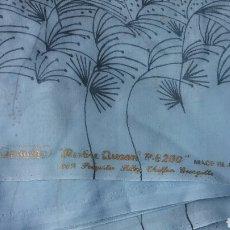 Vintage: PIEZA DE TELA.GENUINE.MADE IN JAPÓN.5,55 M.X 1,25 M.FINO TRANSPARENTE.CON PRECIOSO DIBUJO.AÑOS 80. Lote 134564705
