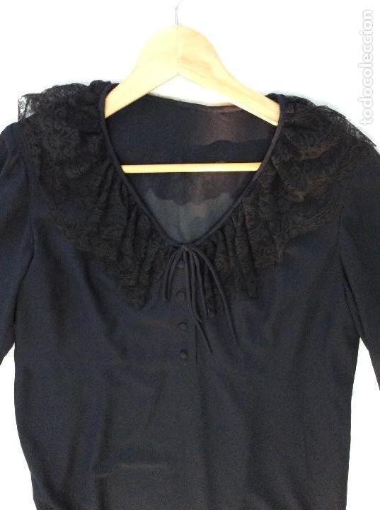 Vintage: Vestido negro con el cuello de espectacular encaje y volante plisado abajo - Foto 7 - 135596250