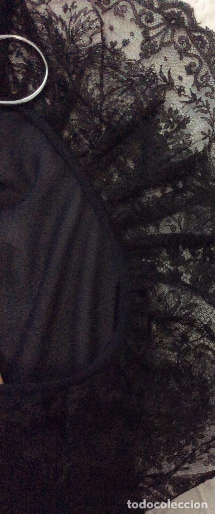 Vintage: Vestido negro con el cuello de espectacular encaje y volante plisado abajo - Foto 10 - 135596250