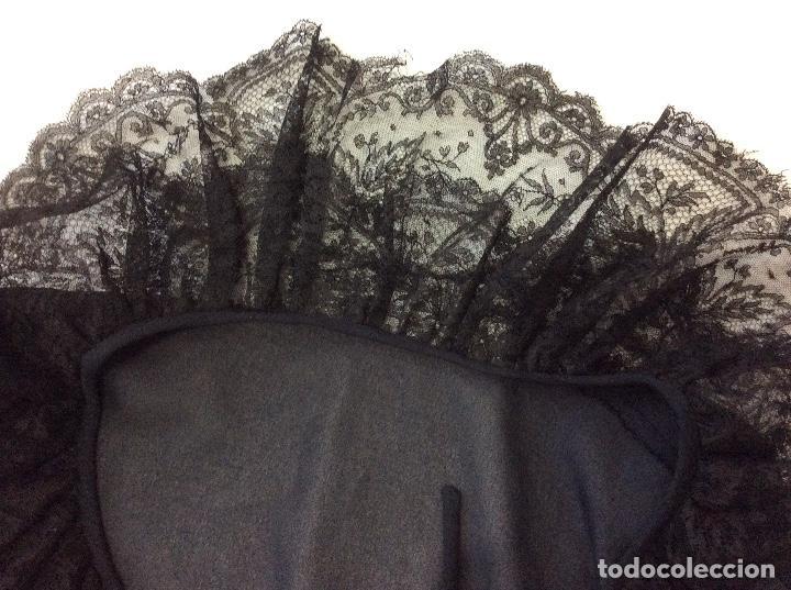 Vintage: Vestido negro con el cuello de espectacular encaje y volante plisado abajo - Foto 13 - 135596250