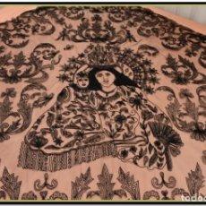 Vintage: GRAN MANTILLA CON VIRGEN BORDADA SOBRE TUL NEGRO. Lote 142112662