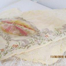 Vintage: MANTOCILLO PARA FLAMENCA CORTO CON FLECOS EN BEIS, CON MOTIVO PINTADO A MANO. . Lote 142180390