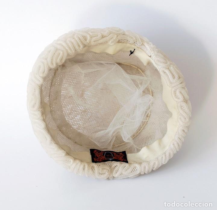 Vintage: Antiguo sombrero o gorro para mujer. De nylon o similar. Con etiqueta de El Corte Inglés. Original - Foto 2 - 142770622
