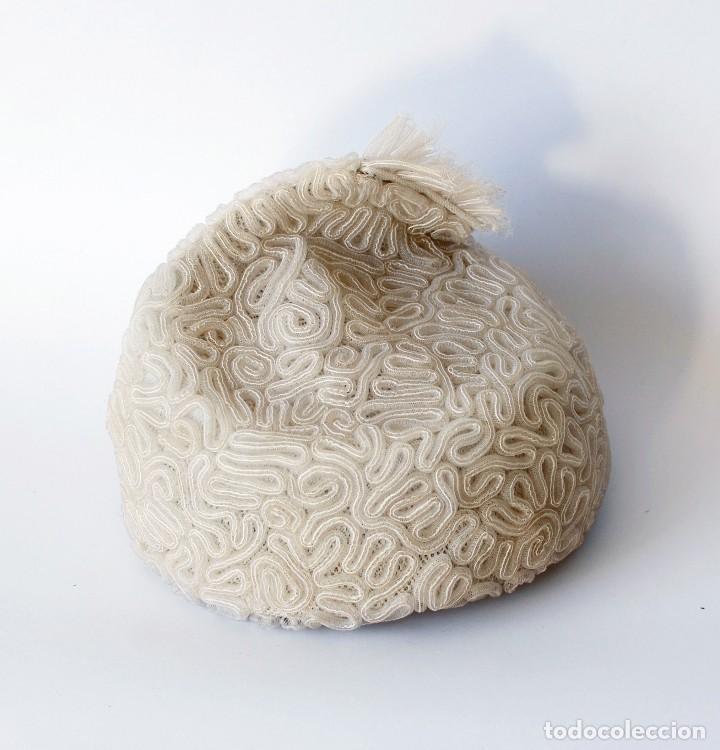 Vintage: Antiguo sombrero o gorro para mujer. De nylon o similar. Con etiqueta de El Corte Inglés. Original - Foto 4 - 142770622