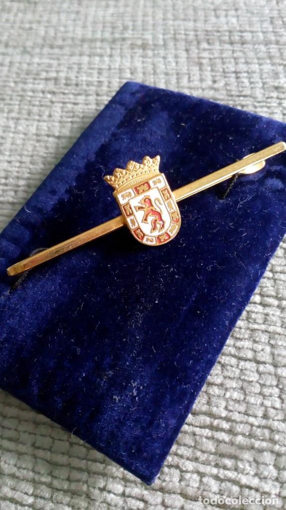 Vintage: Pisacorbata dorado y esmalte rojo y blanco. Escudo de Córdoba - Foto 6 - 142833306