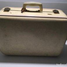 Vintage: MALETA TAURO AÑOS 60. Lote 146272258