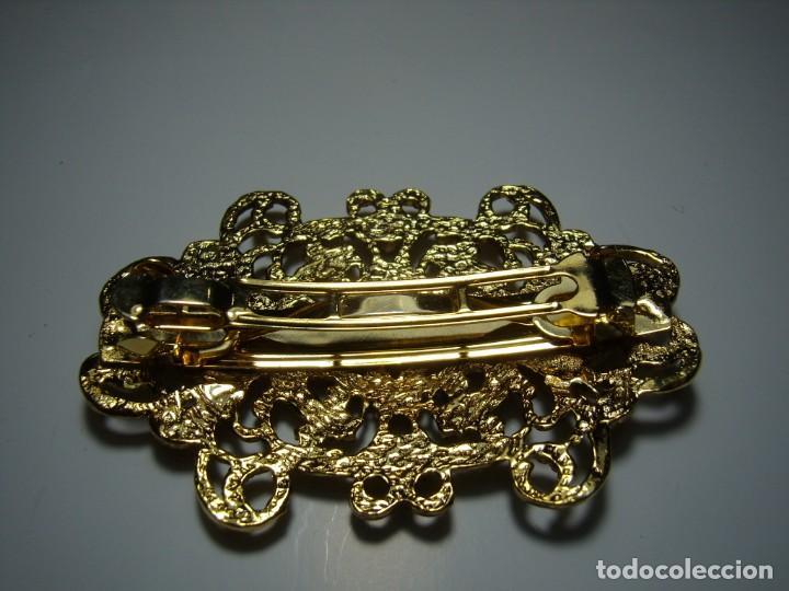 Vintage: Pasador pelo prendedor metal dorado, piedras colores, vintage, años 80, Nuevo sin usar. - Foto 2 - 147002334