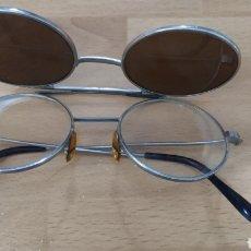 Vintage: GAFAS ANTIGUAS DOBLE LENTE. NORMAL Y DE SOL. Lote 150581006