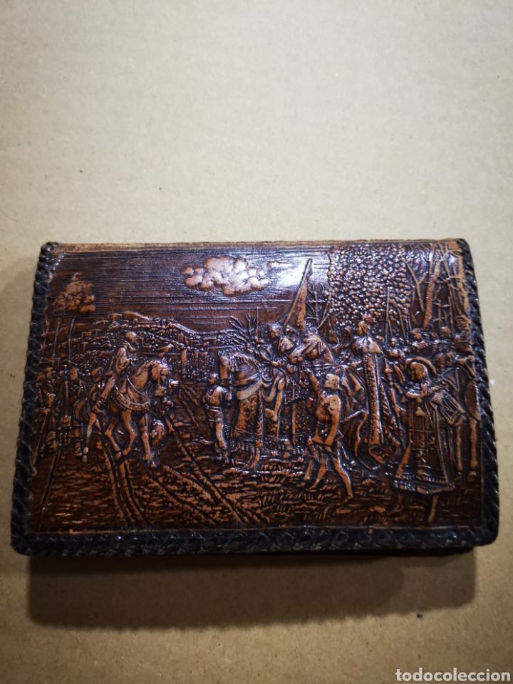 Vintage: Cartera, billetera de piel repujada - Foto 2 - 153115760