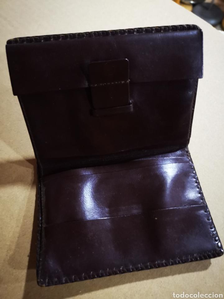 Vintage: Cartera, billetera de piel repujada - Foto 3 - 153115760