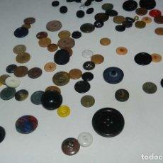 Vintage: BOTONES ANTIGUOS . Lote 154550510
