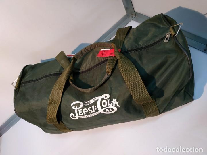 Vintage: Mochila de colección vintage antigua de la marca promocional refresco marca Pepsi cola - Foto 7 - 155251706