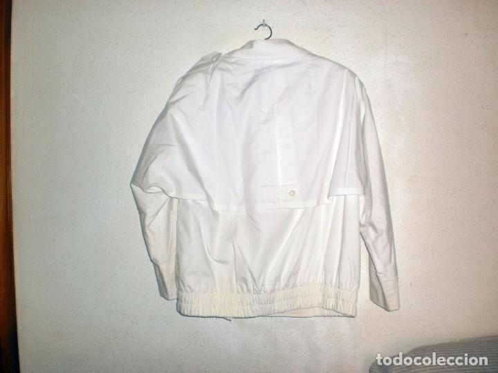 Vintage: HUCKE. Chaqueta entretiempo mujer color blanco. Talla 40. POCO USO - Foto 2 - 155600858