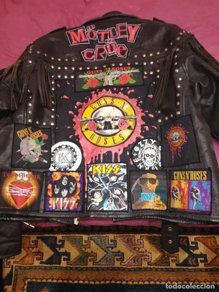 Vintage: Chaqueta cuero flecos con parches heavy metal Motley Crüe, kiss, ozzy, guns - Foto 2 - 156507786