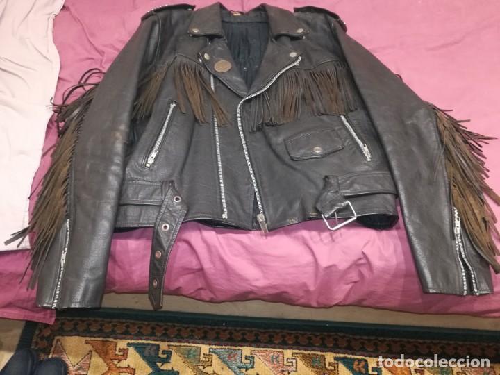 Vintage: Chaqueta cuero flecos con parches heavy metal Motley Crüe, kiss, ozzy, guns - Foto 4 - 156507786