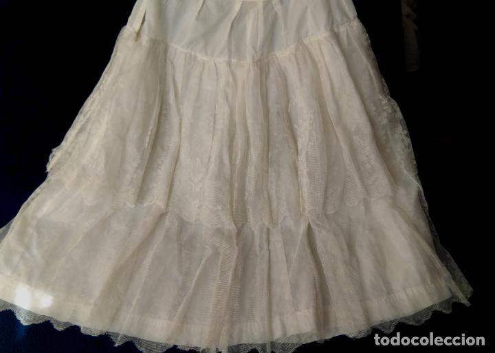 CANCÁN CORTO PARA VESTIDOS DE LOS AÑOS 1950-60, TEJIDO DE NYLÓN Y DOS VOLANTES DE TUL PINTADO. (Vintage - Moda - Mujer)