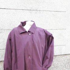Vintage: GABARDINA COLOR BERENGENA AÑOS 80. Lote 160821022
