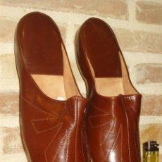 Vintage: ZAPATILLAS DE PIEL MARRON Nº42.VINTAGE.. Lote 162468154